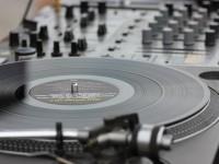 画像・レコードが低迷する音楽業界を救う? 若者にじわり人気