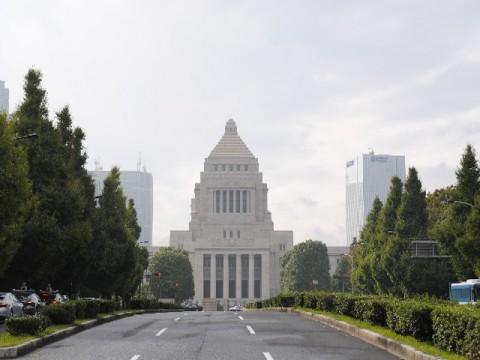 渡辺喜美前みんなの党代表が「復帰宣言」 国会欠席を許し合う国会議員