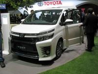 Toyota_HV VOXY