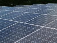 画・発電量は多いのに使えない? 経産省が大規模太陽光発電の新規参入凍結を検討