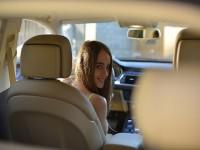 画・免許を持っている20代女性、20代男性よりも多く 車所有率も女性がリード