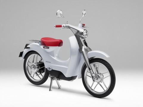 東京モーターショーで出品した電動バイク「Honda EV-Cub」が市販化決定