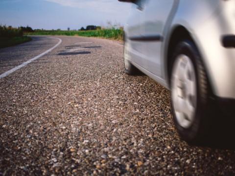 自動ブレーキで事故激減 保険料引き下げへ