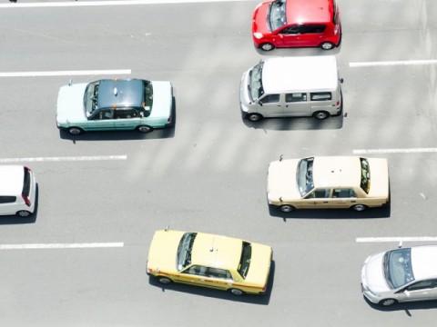 IoT関連で合併会社設立相次ぐ 日本交通もデジタルサイネージ事業の展開で