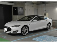 Tesla_Auto_Pilot