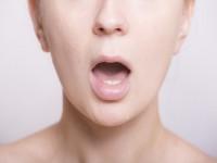 画.無意識に行っている唇からの読話、タイミングずれの処理機構が観測可能に