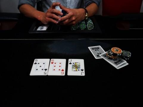 今度はAIが「直観」を学習 ポーカーでもプロに圧勝