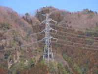 画・高所の送電線点検にドローンを起用する東京電力