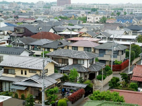 世帯数の減少と住宅メーカーの戦略。ユーザーにとって、新築住宅は狙い目か