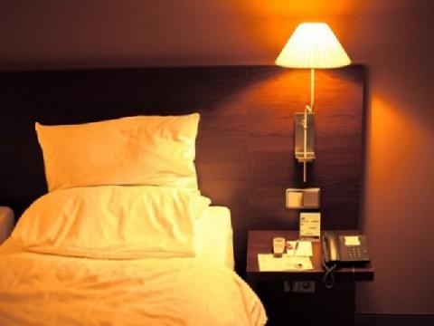 日本人の睡眠時間 6時間未満が4割