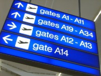 画・成田空港て_航空機発着回数か_開港以来過去最高 訪日外国人も750万人突破