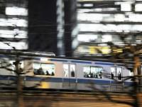 画・ビジネスマンの平均通勤時間は45分、でも理想は25分