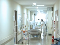 画・海外て_の臓器移植に保険給付
