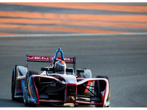 参戦過熱「Formula E」、勝利のカギはパワーエレクトロニクス