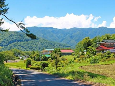 「地方で働くことに興味がある」中高年は58%。九州・沖縄が人気