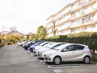 画・交通格差。都市では「車離れ」、地方では車の利用率95%超。