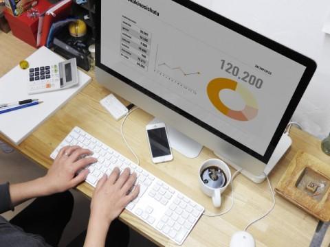 リモート勤務用機器の提供、日本企業は33.6%で世界最下位