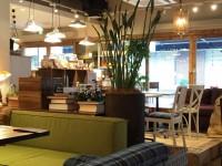 画・喫茶店・カフェ市場、拡大傾向て_推移。増収率トッフ_はFC出店加速のコメタ_。