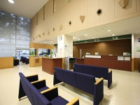 画・病院混雑緩和か。「1時間待ちの10分診療」外来患者の診療・待ち時間。~厚労省調べ