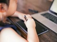 画・小学校プログラミング必修化。賛成97%。「親が教えられない」不安も4割。