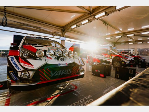 WRC第11戦で、チームトヨタ2位&3位フィニッシュ、チームポイント首位堅持