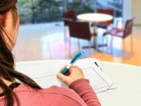 画・共働きキープで生涯賃金4億円 女性の働き方変化