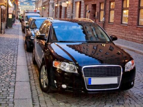 自動車関連税 減税の恒久化巡り綱引き