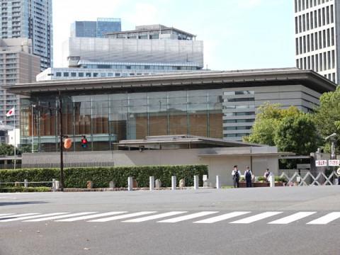 土砂投入 政府は沖縄県民投票まで立ち止まれ