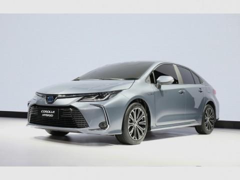 トヨタ、新型カローラ・セダン、広州国際モーターショーで世界初披露