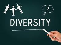 画・ダイバシティ推進、企業の32%。人材確保が目的。女性、外国人、障がい者など対象。