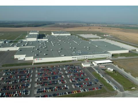 トヨタ、欧州向けエントリーモデル生産拠点、PSAのTPCAを完全子会社化