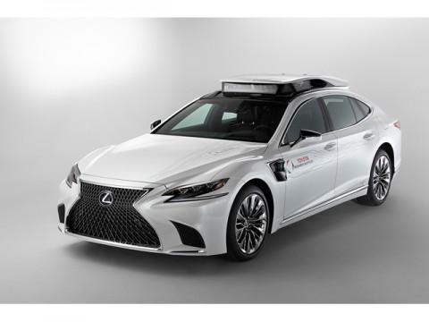 米Toyota Research Institute、新型自動運転実験車「TRI-P4」を米見本市CESで公開