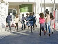 画・待機児童数は低学年で減少するも高学年で増加。新たな需要増に追い付けず。
