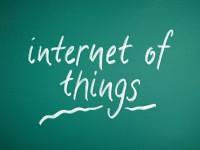 画・IoT活用、コスト削減手段35%、収益創出31%。ROI困難6割、継続コストも問題。