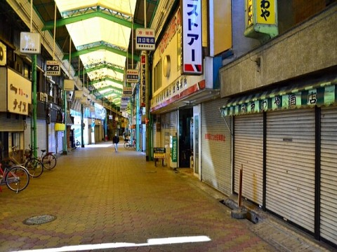 シャッター商店街、増加止まらず。チェーン店増加も8割はパパママ・ストア