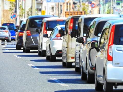 車の運転に「自信ある」者の方が事故の経験が多い。事故経験4割