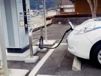 画・電気自動車の認知度6割。購入しない理由「価格が高いから」7割。