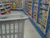 画・市販かぜ薬の販売、大幅増加。風邪を引いても受診せず市販薬で対処。