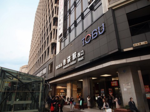 6月の百貨店、2割の大幅売上減少続く。全館営業再開で徐々に客足は回復